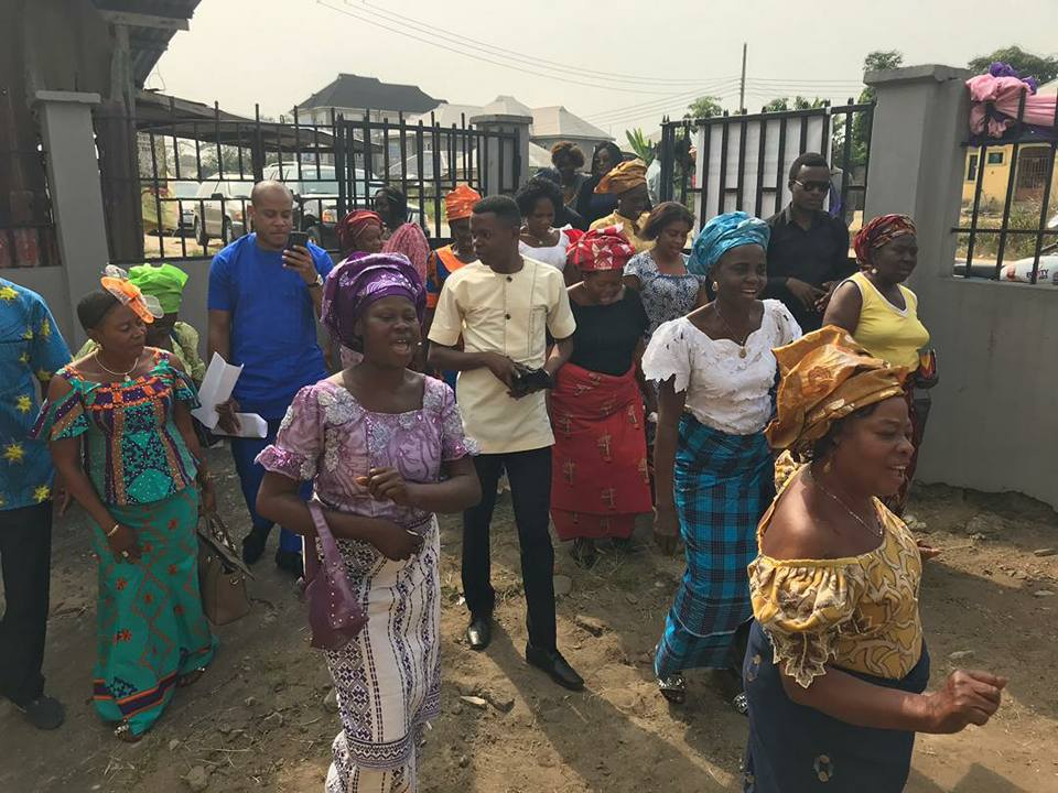 Akwete Community Women in Jubilating mood as they sing and march toward commisioning the newly renovated and equiped Akwete Weaving Centre